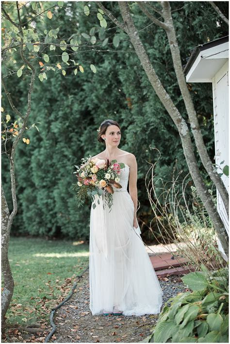 Alyson's Orchard Wedding  Walpole   K. Lenox Photography