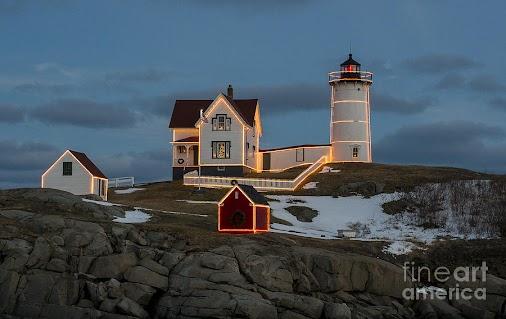 #lighthouse #Nubble #Maine #USA #sunrise #ocean #coast #coastline #York #NewEngland