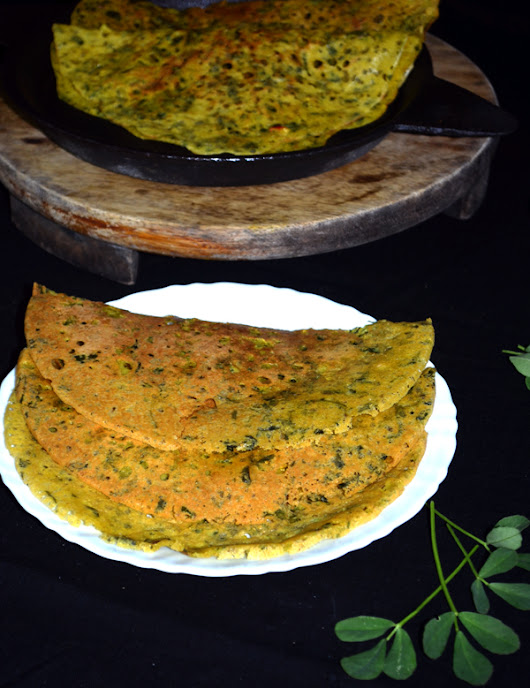Jwari Methiche Dhirde Recipe in Marathi | Savory Crepes with Foxtail Millet and fenugreek leaves | Dip's Diner