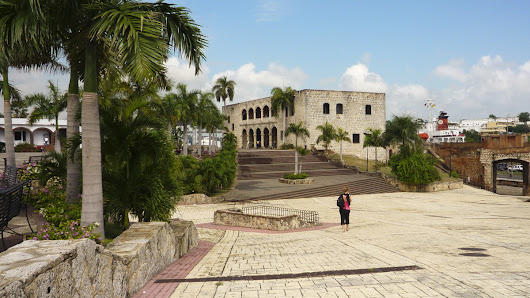Walking tour of Santo Domingo