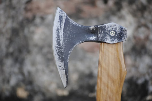 Hand Forged Viking Style Beard Tomahawk Axe by MadnitraderShop