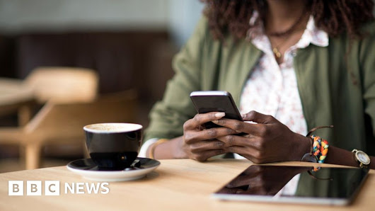Banking by app 'to overtake online by 2019'