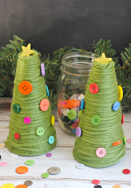 Green Yarn & Buttons Christmas Trees DIY