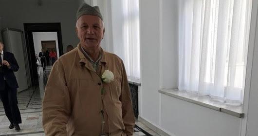 Senator Rulewski w więziennym drelichu. Protest ws. ustawy o SN