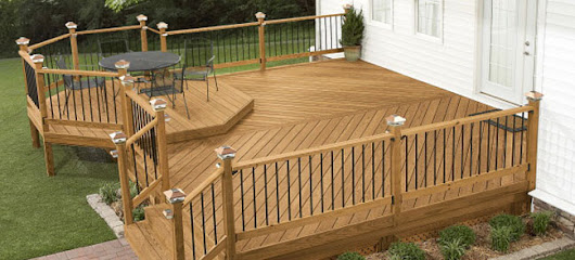 The Advantages of Hiring a Professional Deck Builder