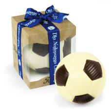Piłka nożna z czekolady dla najlepszego chłopaka, słodki upominek z okazji dnia chłopala, czekoladowa piłka dla chłopaka