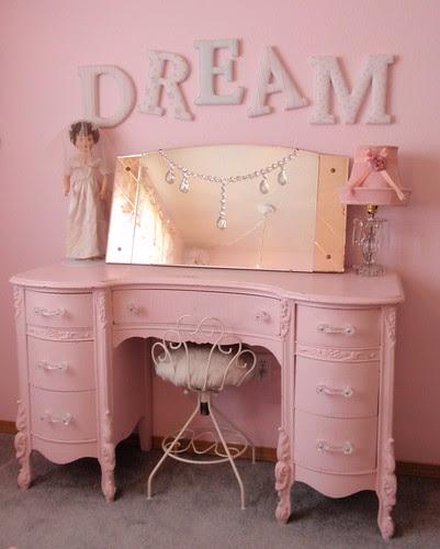 Simply Shabby Chic DREAM letters & pink vanity dresser por eg2006.