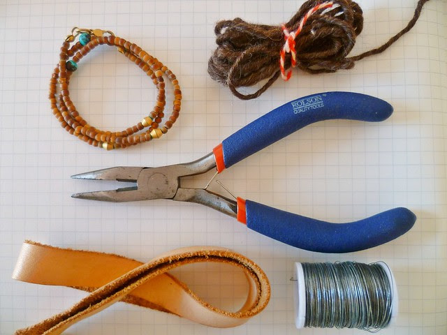 colares-materiais