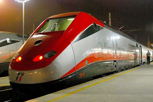 Viaggiare sui treni ad alta velocità FrecciaRossa e FrecciArgento a soli 19 euro per tutto l'estate.
