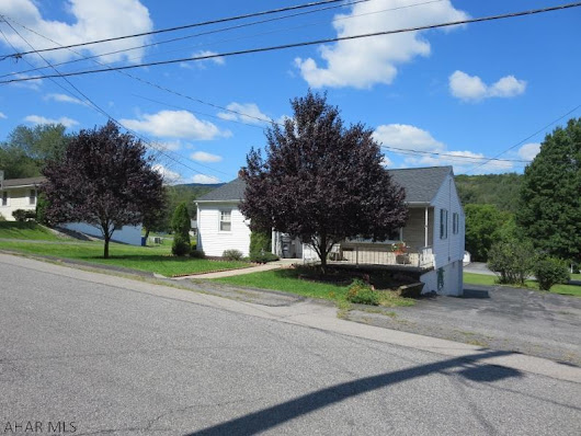 806 Green Lane Bedford, PA 15522