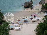 Cantiknya Pantai Padang-Padang Di Pecatu
