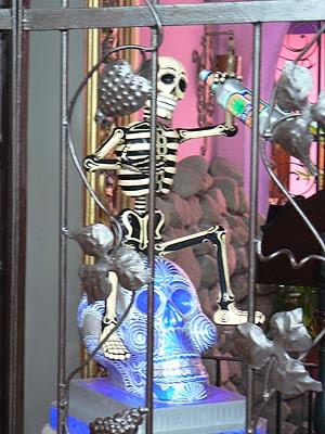 squelette et tequila.jpg