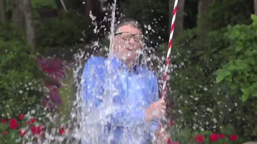 Bill Gates wins the Ice Bucket Challenge with ridiculous machine