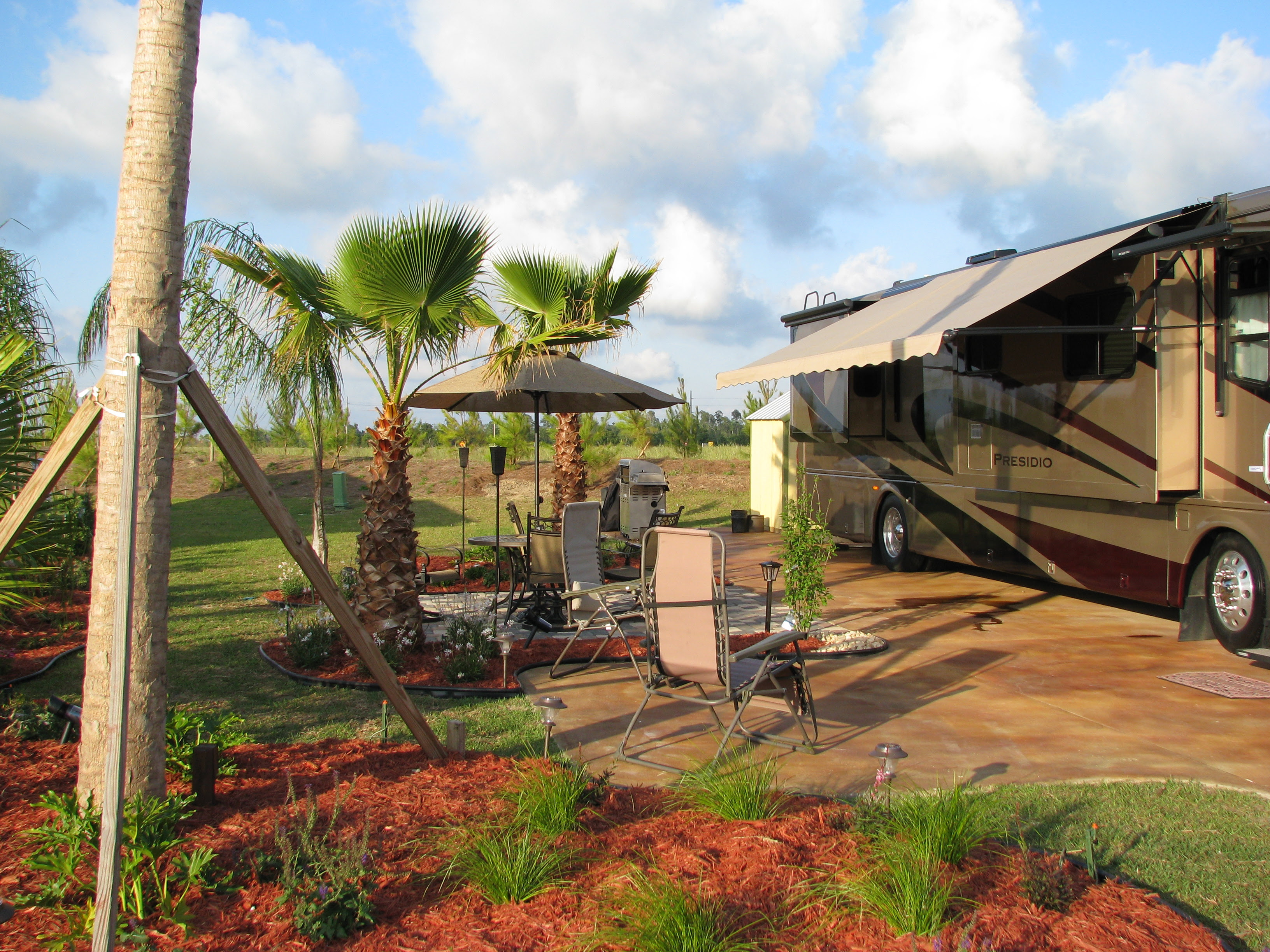 This luxury RV lot is for rent by the Day Week or Month