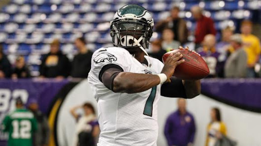 Peterson lobbies for Vikings to sign QB Vick