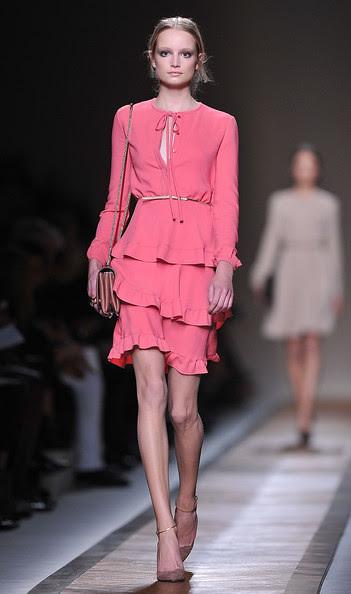 Valentino+Runway+Paris+Fashion+Week+Spring+NpbgdJLS-7yl