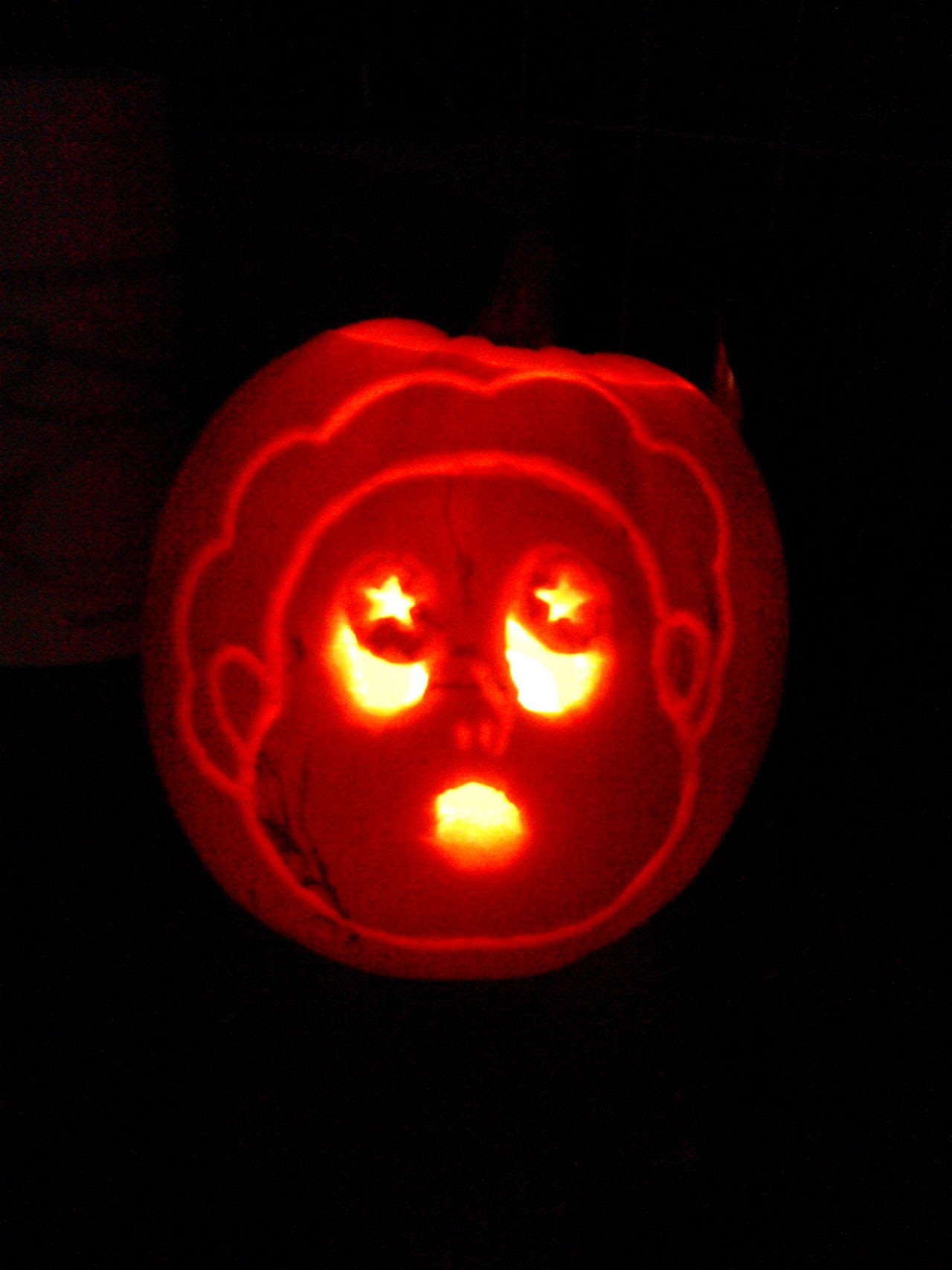 did some pumpkin carving with the gf tonight.