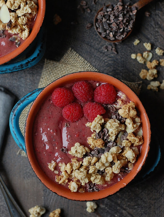 Chocolate Raspberry Smoothie Bowl (Vegan) – Turnip the Oven