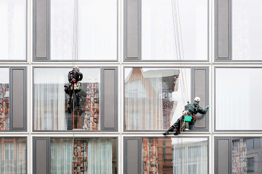 What a Window Washing Company Can Teach You About Complex B2B Sales