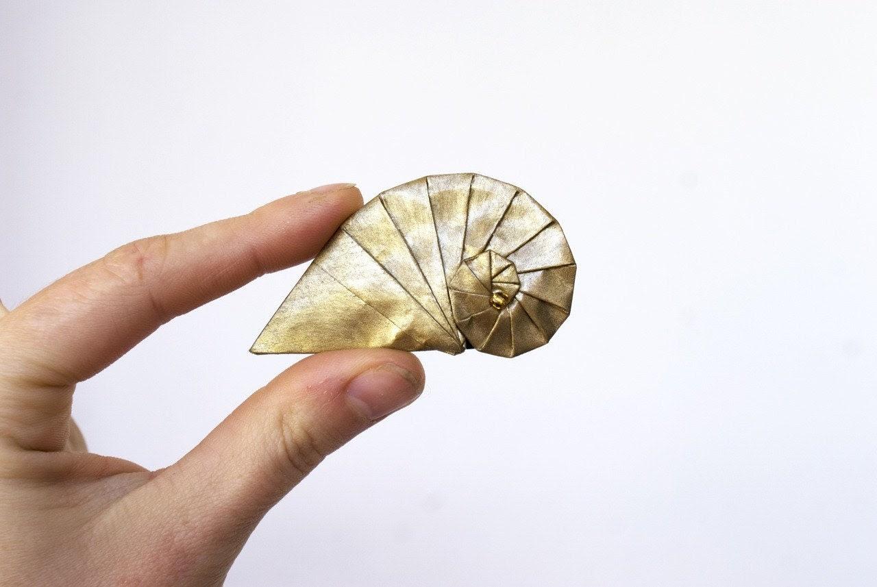 Origami gold brooch - sea shell paper brooch - MilleGrudicarta