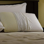 RESTFUL NIGHTS EVEN FORM LATEX PILLOW - Medium Support Standard, Queen Or King - KING White