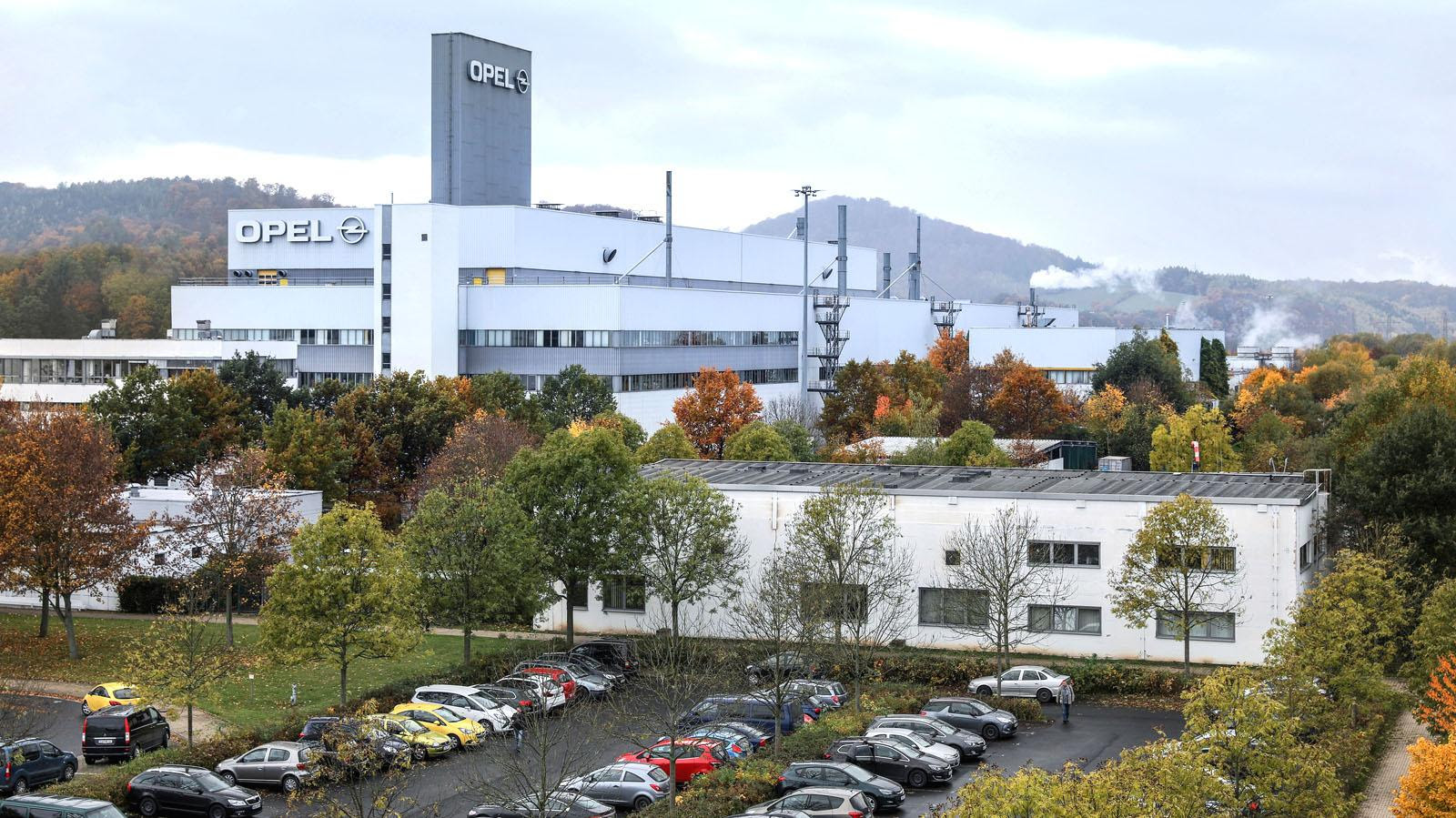 Offener Brief: Bouffier besorgt wegen Opel-Standort in Rüsselsheim