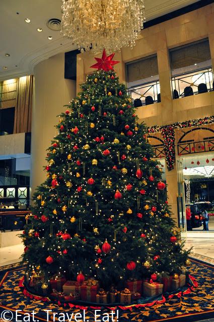 Island Shangri-La Lobby Christmas Tree