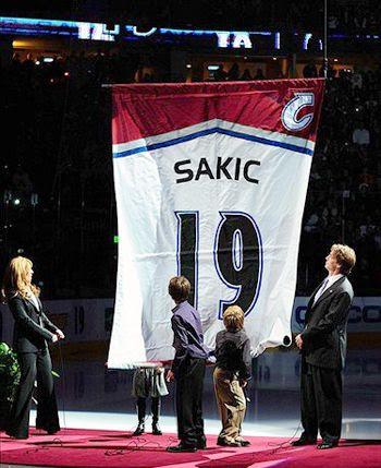 Sakic #19 banner, Sakic #19 banner