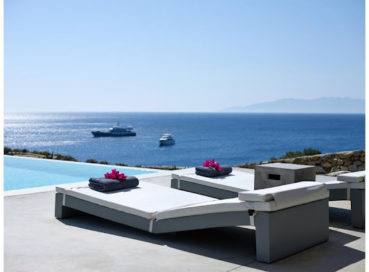 Mykonos vacations in GV Mykonos Heavenly Seafront Estate