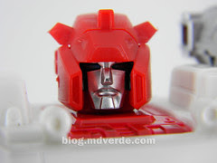Transformers Red Alert - Masterpiece - modo robot