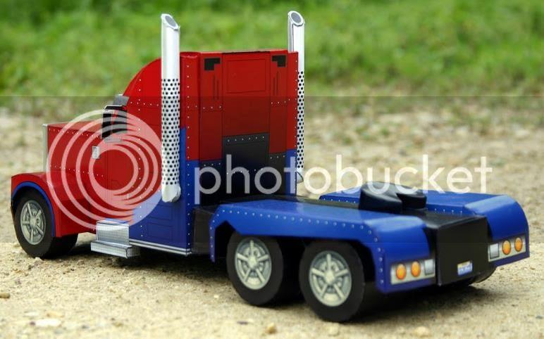 photo trucktransformesheatherpapercraft0003_zpscf9b7aff.jpg