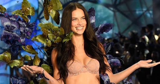 Adriana Lima at Victoria's Secret Fashion Show 2015 Pictures | POPSUGAR Celebrity
