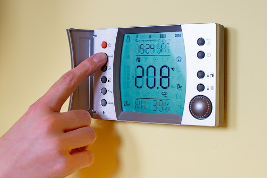 Dilemma on Whether Programmable Thermostats Save Money - Business Guide Ottawa