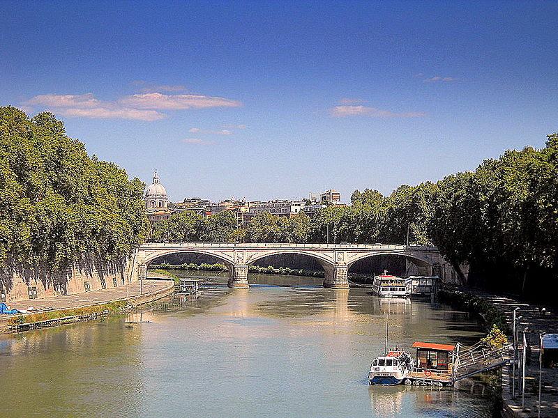 File:Roma Ponte Umberto I.jpg