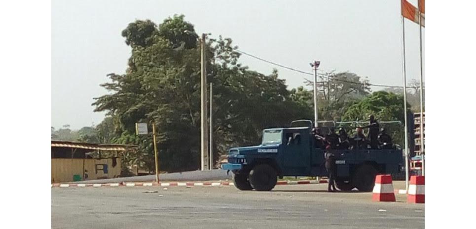 Côte d'Ivoire: des militaires mutins contrôlent Bouaké malgré l'appel au calme du gouvernement