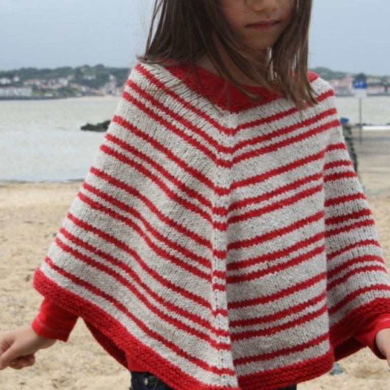Coloriage Poncho Fille Tricot