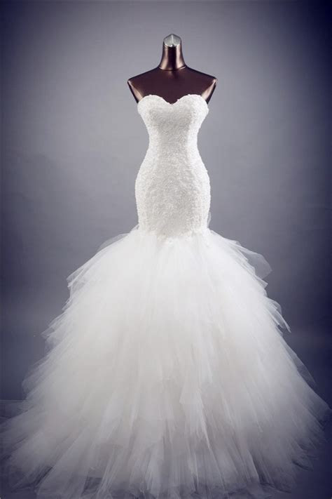 Fit And Flare Strapless Lace Tulle Layered Wedding Dress