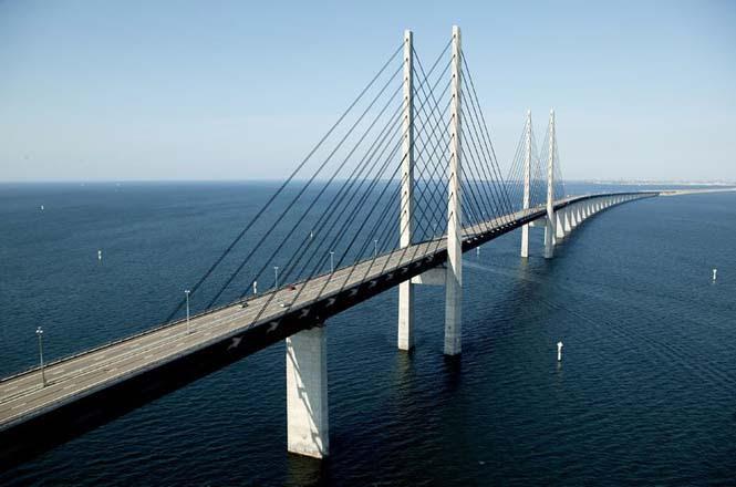 Αυτή η καταπληκτική γέφυρα μετατρέπεται σε τούνελ και συνδέει την Δανία με την Σουηδία (3)