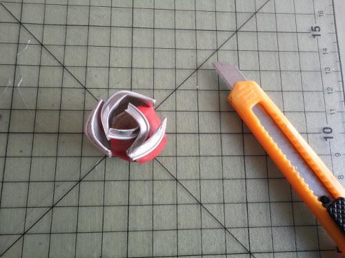 idea manualitat rosa sant jordi reciclatge