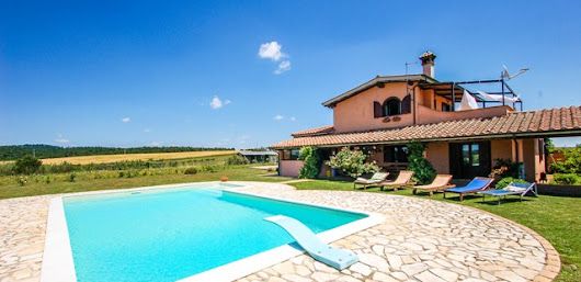 Holiday villa rental with private pool in Lazio