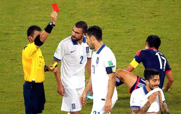 Kostas Katsouranis jogo Japão x Grécia (Foto: Reuters)