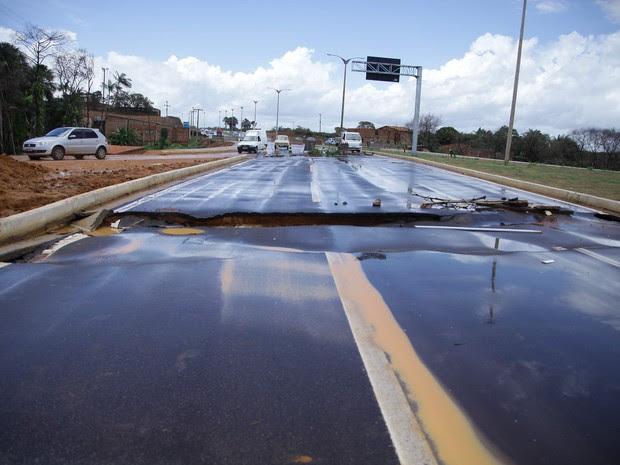 Chuvas dos últimos dias causaram alguns transtornos na capital (Foto: Flora Dolores / O Estado)