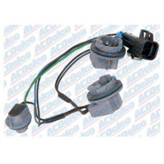 roger vivi ersaks: 2005 Chevy Malibu Headlight Wire Harness on