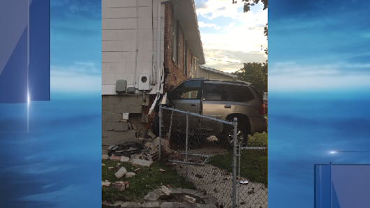 Driver hurt after vehicle crashes into house in Riviera Beach