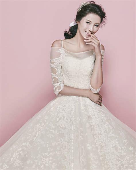 Korean bridal inspo! 10 elegant wedding dresses for the