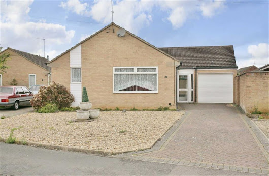 3 bedroom property for sale in Willow Road, Banbury - £325,000