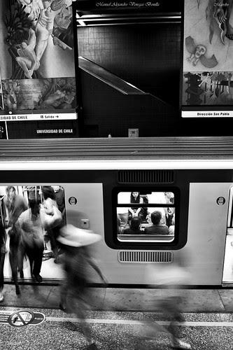 Santiago de Chile, metro. by Alejandro Bonilla