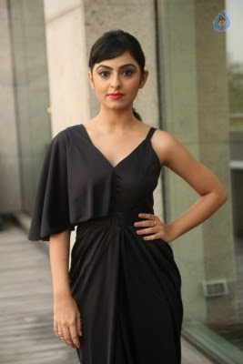 Pooja New Stills - 11 of 35