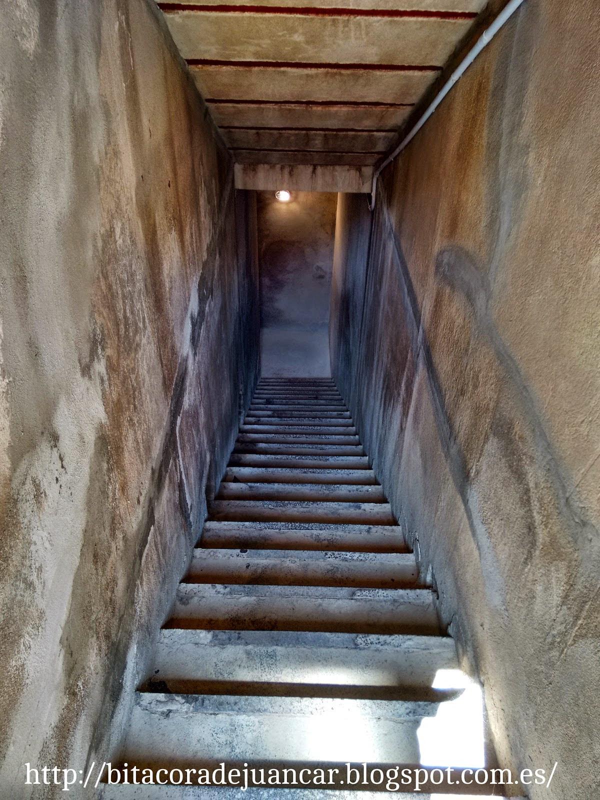 Escalera Luis Vives. Bitácora de Juancar