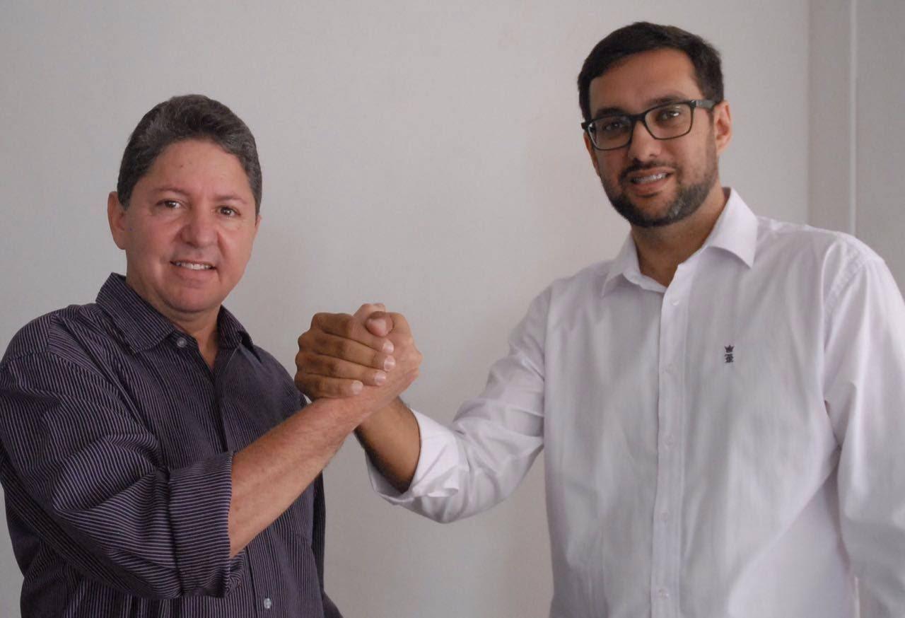 Túlio Lemos designou o vice Rodrigo Aladim para coordenar os trabalhos da comissão (Foto: José Aldenir)